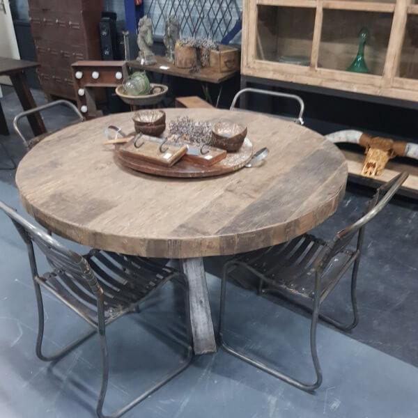 Eettafel rond Bassano - Pilota Stoer Wonen